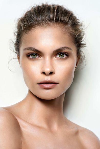 Лёгкий взгляд: лайфхаки для макияжа глаз с нависшим веком