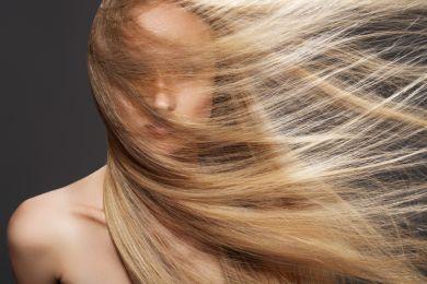 Женщина красивые волосы