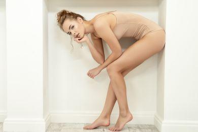 Девушка и ноги