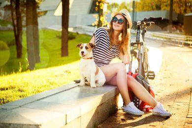 С чем носить кроссовки летом: топ-5 модных идей на каждый день