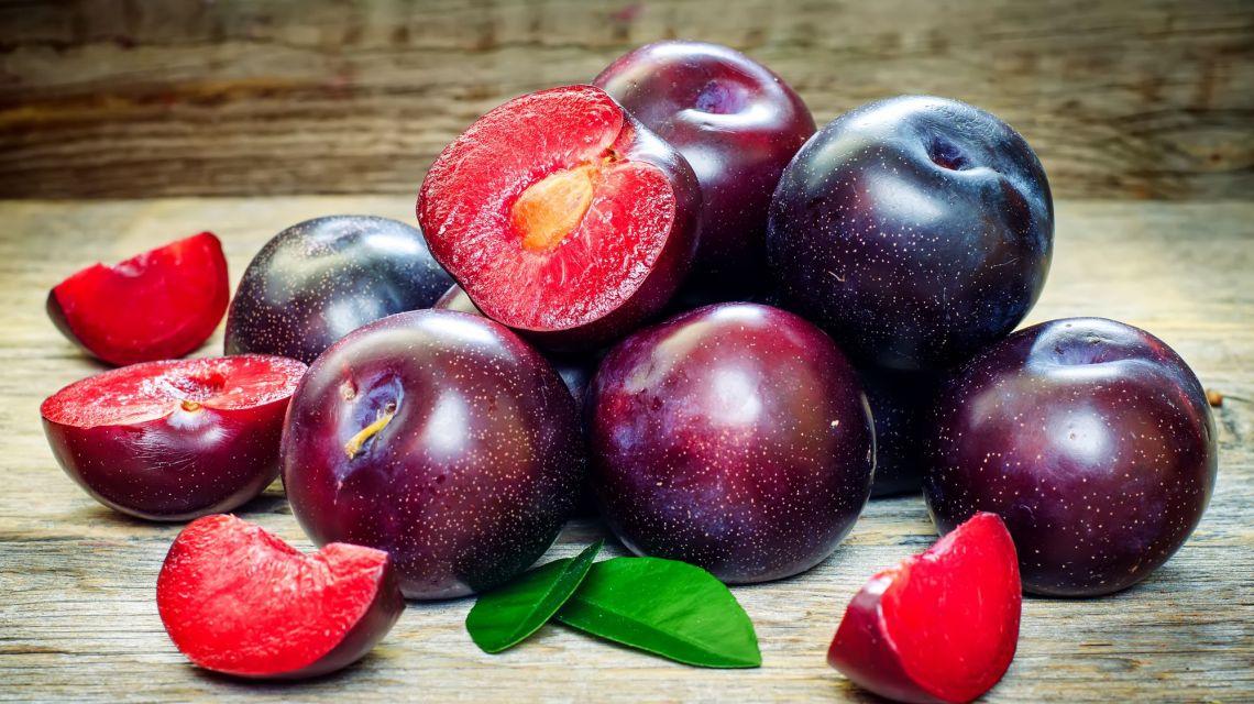 Слива фрукты для беременных 93