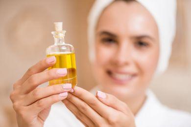 Как использовать масло жожоба для лица в домашних условиях