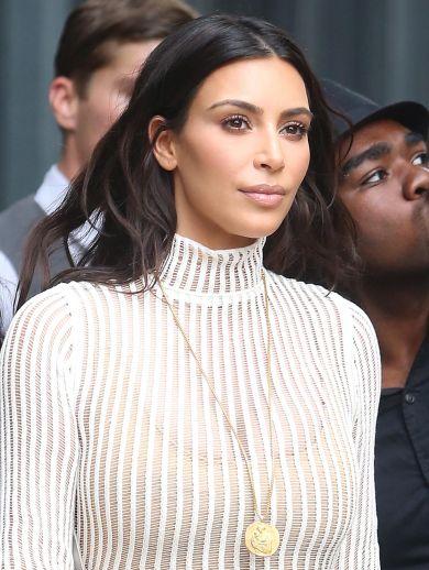 Обновилась: Ким Кардашьян сделала ультрамодную стрижку у звездного стилиста