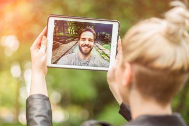 Колонка психолога: 5 верных способов сохранить отношения на расстоянии