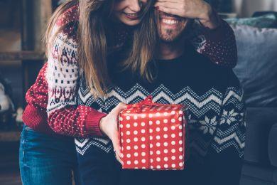 что подарить парню на новый год 2018