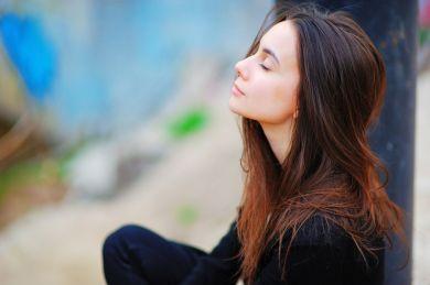 9 бьюти-хитростей, которые спрячут твой недосып