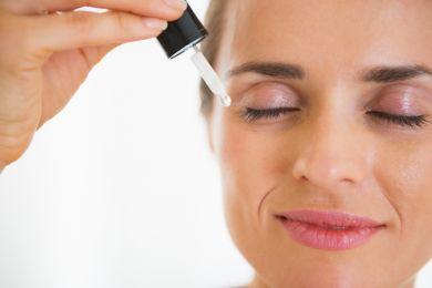 Лучшие увлажняющие сыворотки для обзевоженной кожи