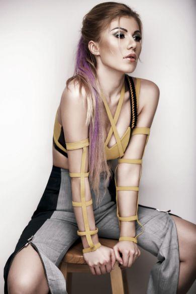 Косметичка звезды: Алена Омаргалиева показала любимые beauty-продукты