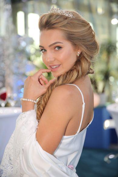 Косметичка Холостячки: Оля Литвиненко поделилась своими секретами красоты