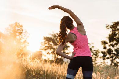 Как струнка: лучшие упражнения для осанки от фитнес-тренера