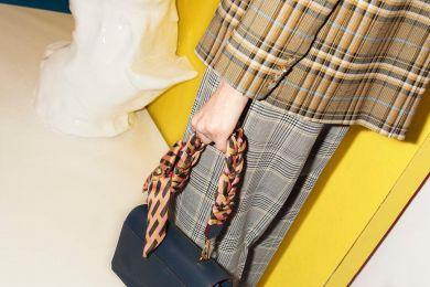 Будь в тренде: подборка стильных луков с шотландской клеткой