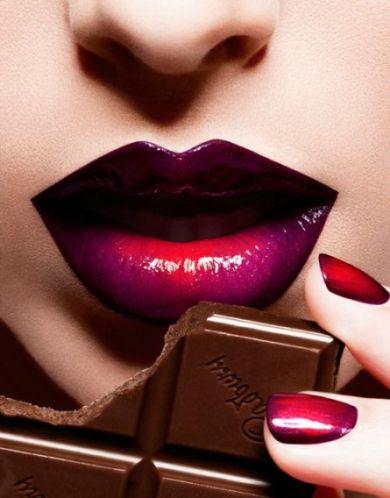 Как увеличить губы с помощью макияжа: техника омбре