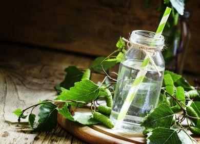 Весенняя уборка: как провести детокс на березовом соке?