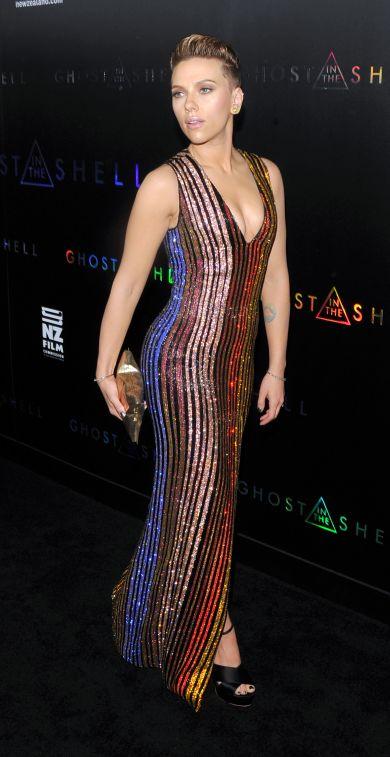 Премьера «Призрак в доспехах»: Скарлетт Йоханссон появилась на Бродвее в платье от Balmain