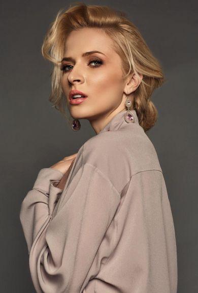 Актриса Анна Гресь: «Красота не требует жертв, а денег. Много денег»