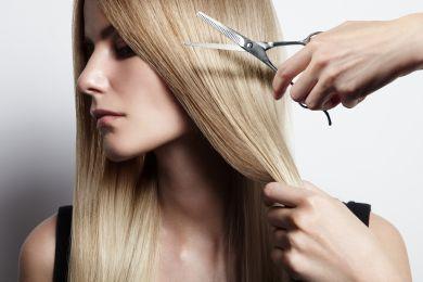 Стрижка длинных светлых волос
