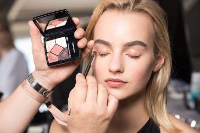 Что такое овальный макияж и почему он нужен нам прямо сейчас