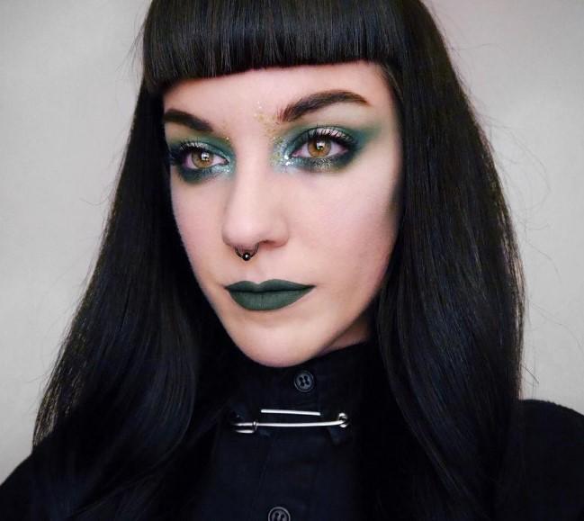 Зеленая помада стала новым трендом в макияже губ