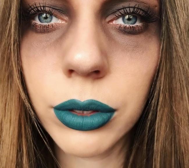 Модные странности: Зеленая помада стала новым трендом в макияже губ