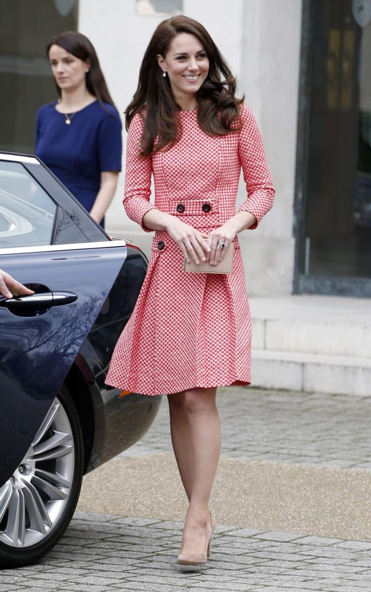 Образ дня: Кейт Миддлтон в элегантном костюме-двойке Eponine London