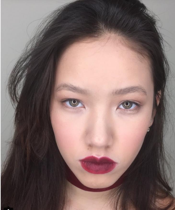 Вечерний макияж: яркие губы