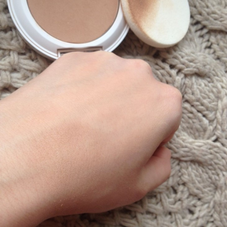 Пудра 2в1 Clinique Beyond Perfecting Powder Foundation + Concealer фото