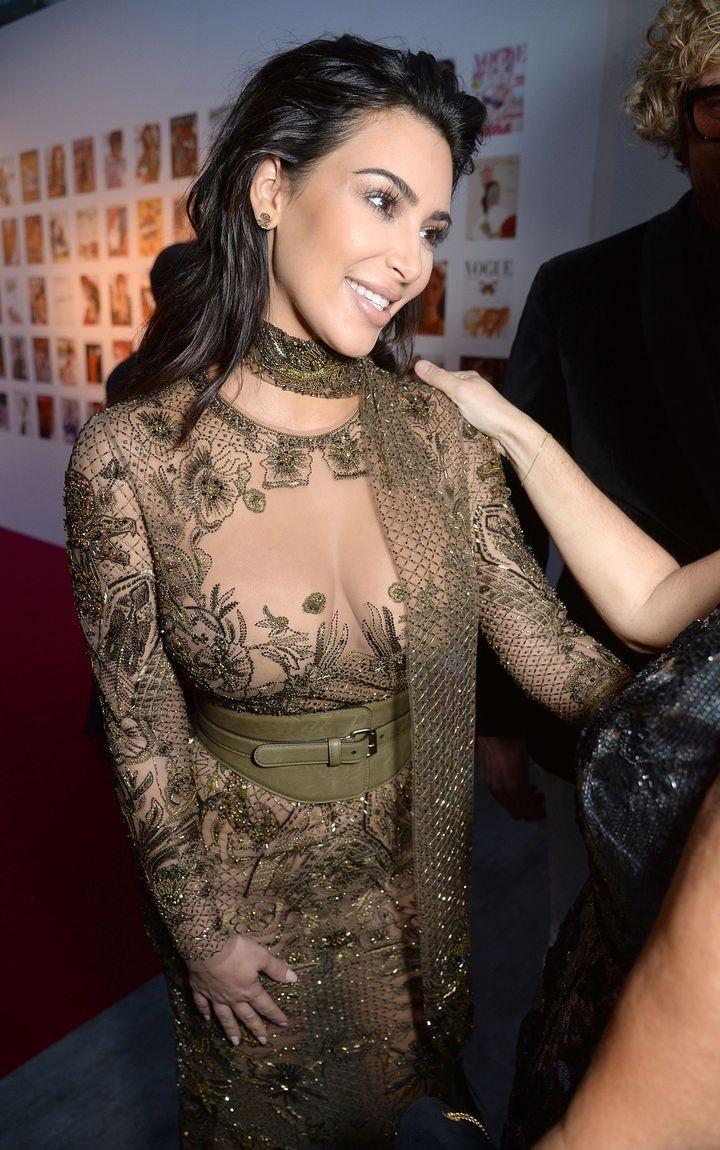 Ким Кардашьян голое платье фото 2016