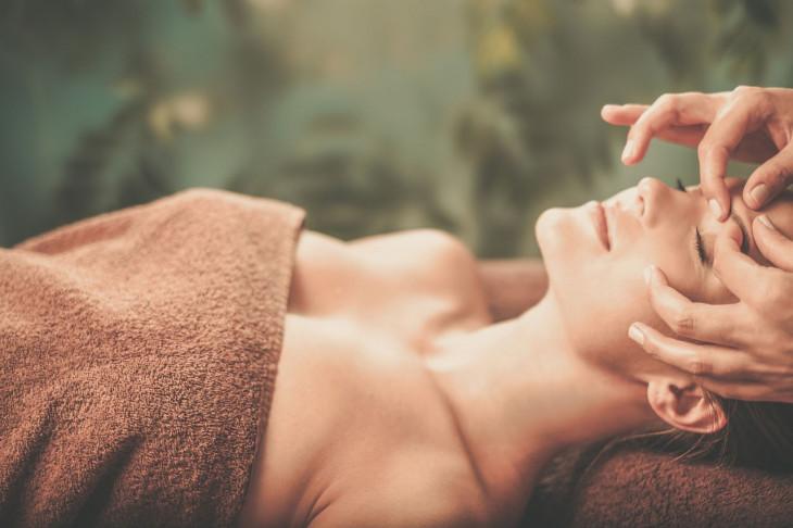Аэрведический масаж лица