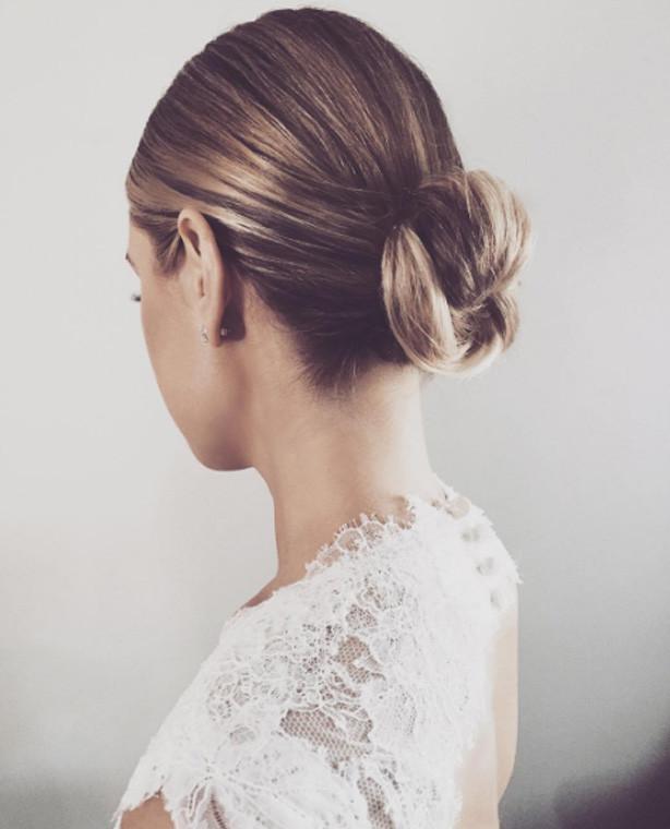 Пучок - прическа на короткие волосы