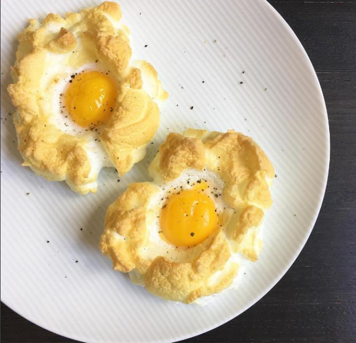 Яйца в облаке фото