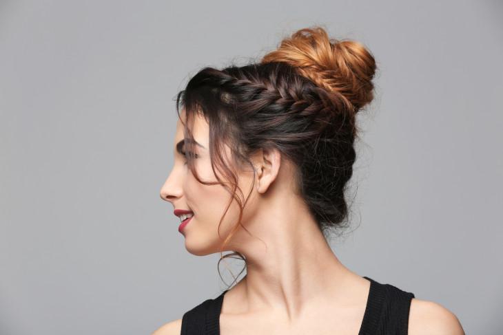 Модные пучки с косами