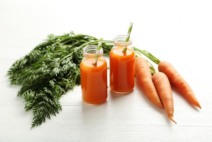 Морковный сок утром