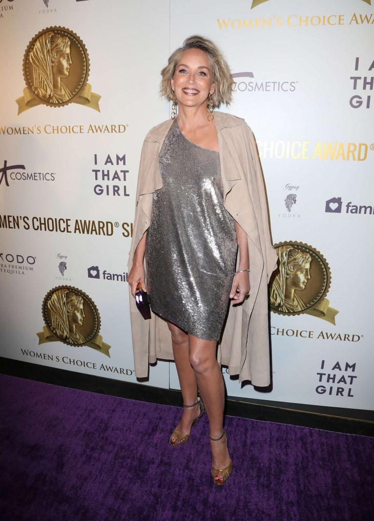 Шерон Стоун продемонстрировала стройные ноги