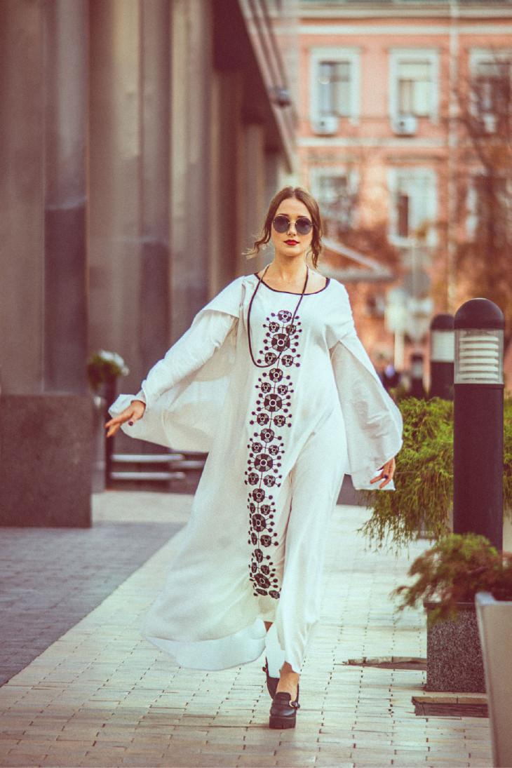 Платья-вышиванки с чем носить