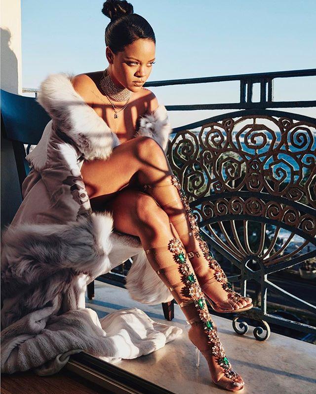 Рианна создала коллекцию обуви Manolo Blahnik So Stoned