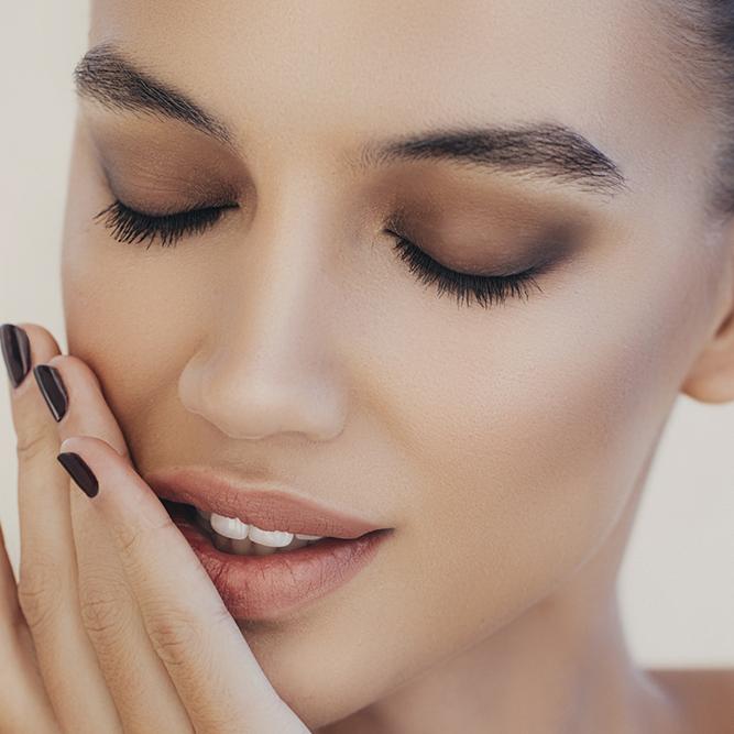 Неяркий макияж работа онлайн фокино