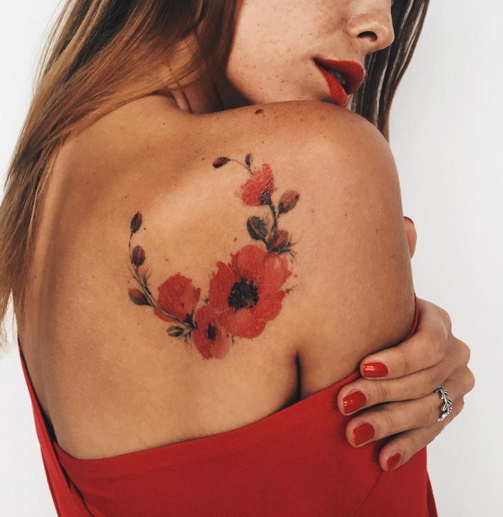 Мастер Пис Саро из России - женские татуировки