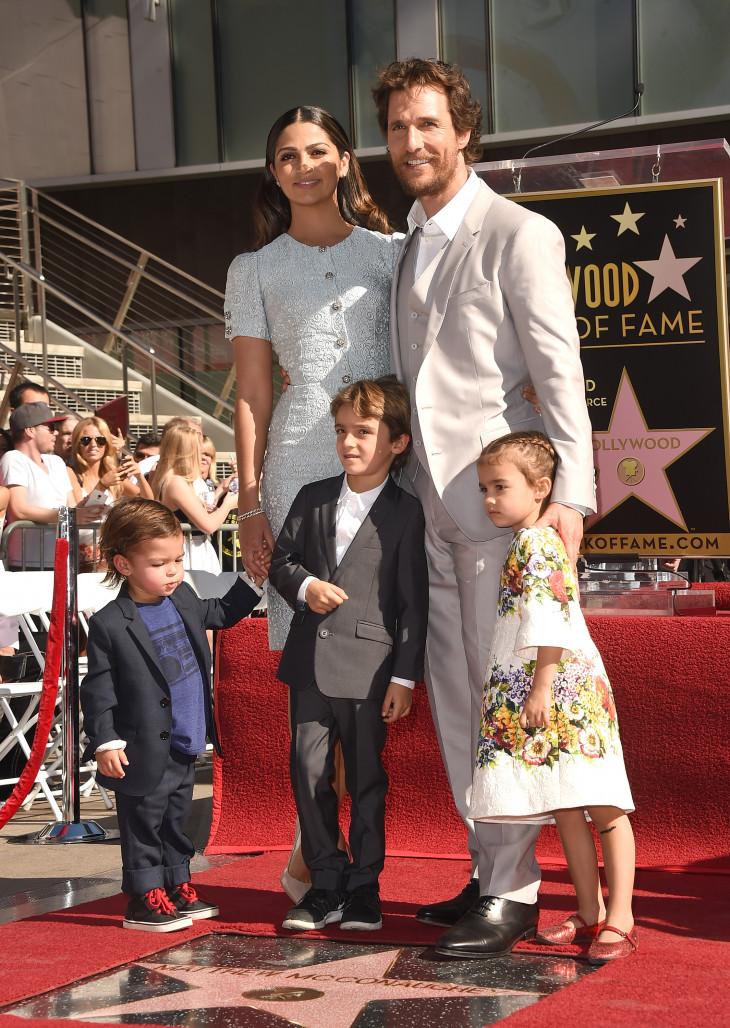 Мэттью МакКонахи с детьми