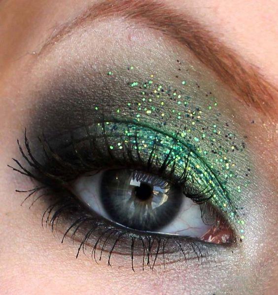 эффектный вечерний макияж для серых глаз
