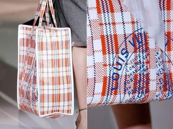 838ccb0a4b41 Клетчатая сумка от Louis Vuitton - нелепые дизайнерские сумки