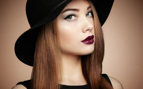 яркий вечерний макияж для серых глаз