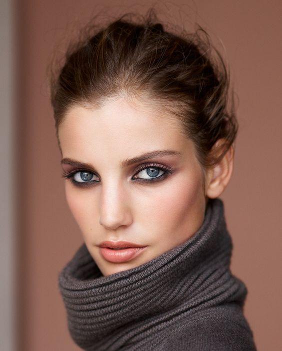 красивый макияж для голубых глаз