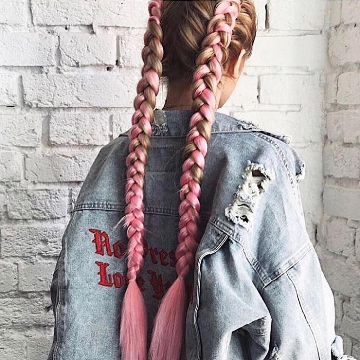 Розовые косы