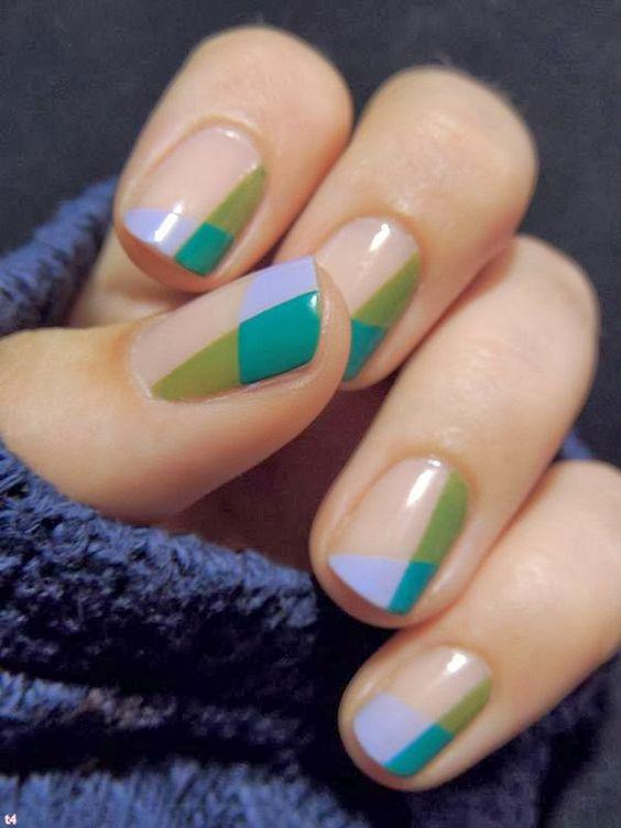 Negative space nail art цветной