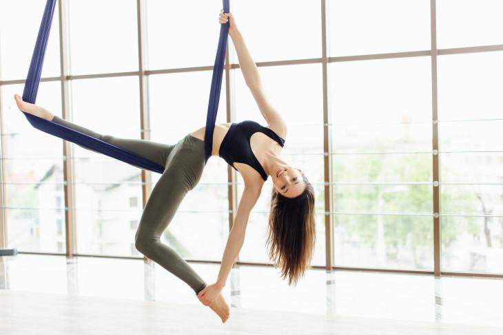Fly Yoga - новые виды фитнеса