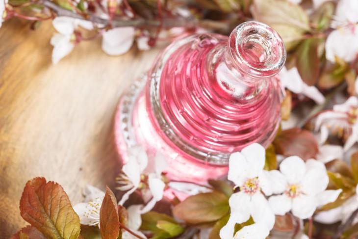 Эфирные масла в уходе за кожей тела