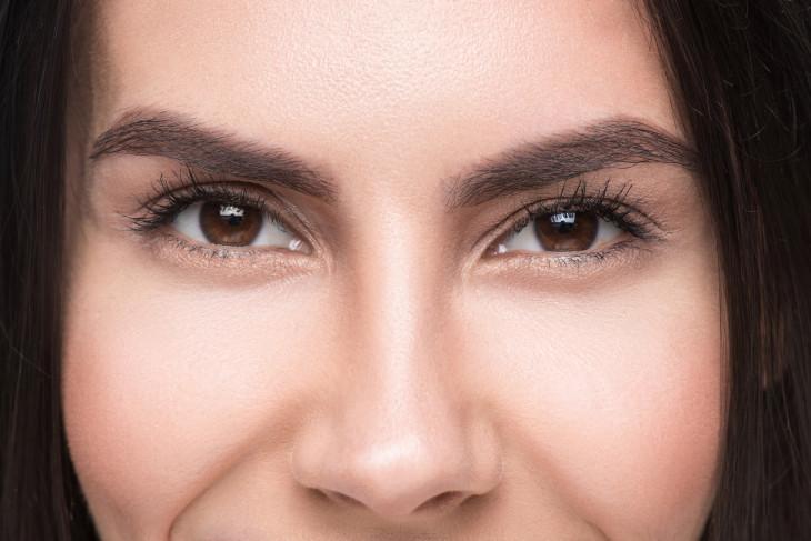 Как подобрать хороший консилер от кругов под глазами