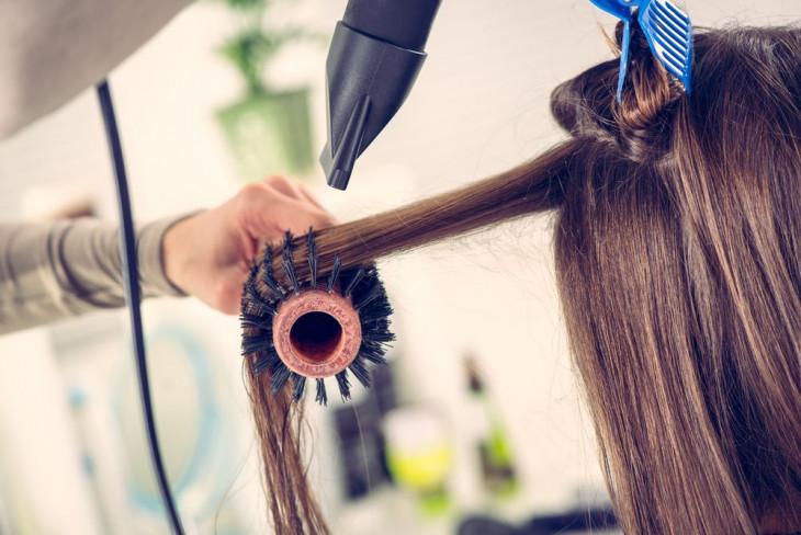 Как сделать объем на тонких волосах
