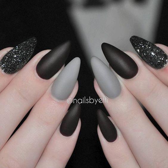 Красивый черный маникюр с серым