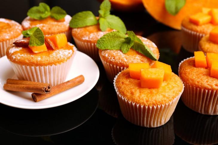 Творожные кексы с тыквой и яблоком – полезный завтрак для всех